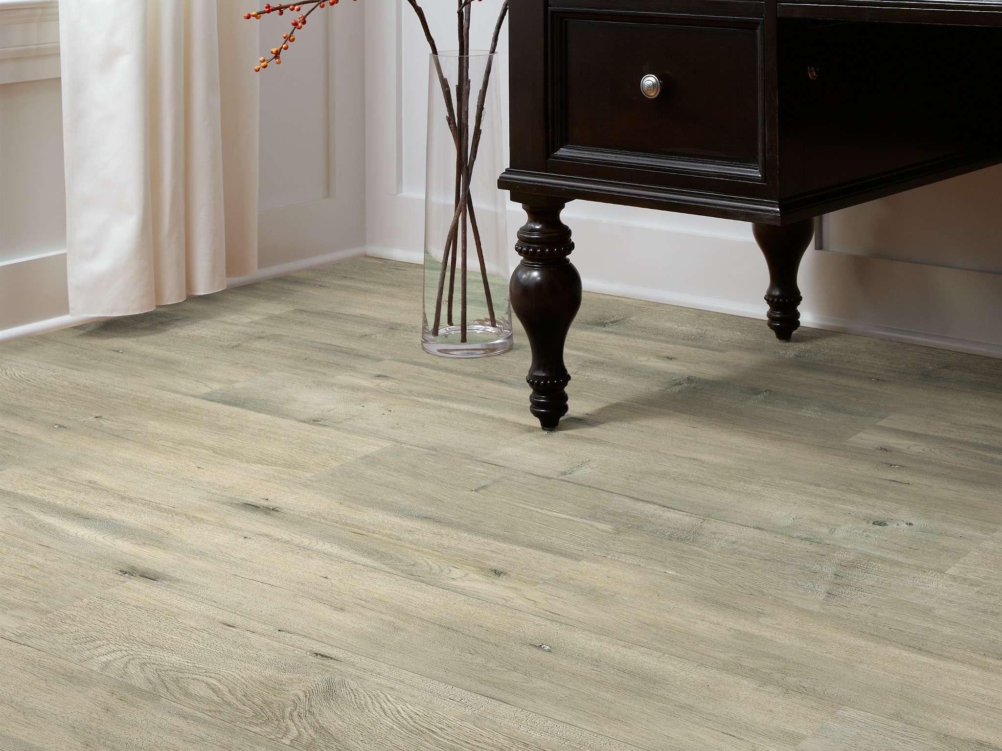 Simplicity Plus Sl442 Alloy Laminates, Shaw Laminate Flooring Versalock